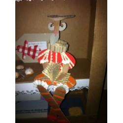 Quijote en cartón y papel reciclados